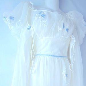 60's VINTAGE Bridal Cottage Core Nightgown SET